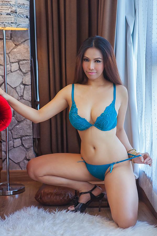 Big tits big butt milf lesbians
